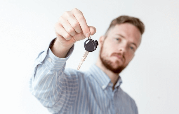 What To Look For When Hiring An Auto Locksmith?